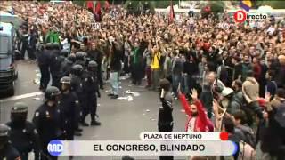 Madrid Directo asiste a la primera carga policial en la concentración del 25S en Neptuno