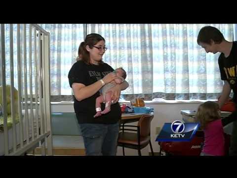 Pregnant woman eats cold cuts, sickens baby