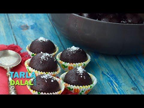 Kala Jamun Recipe, Khoya Gulab Jamun Recipe by Tarla Dalal