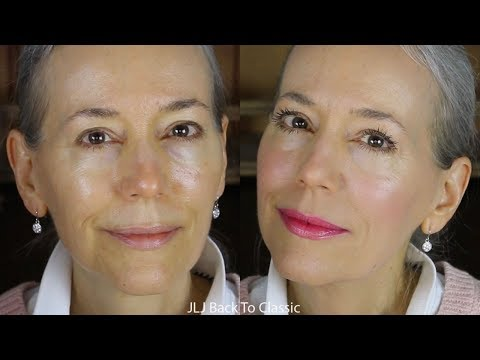 GRWM: Using Powder Foundation on Dry, Mature Skin / Classic, Green Beauty Over 40
