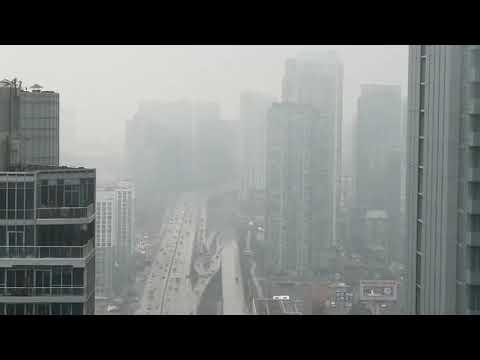 Rainy day in Toronto Downtown - Vlog 20180412