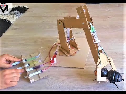 DIY Hydraulic Powered Robotic Arm from Cardboard