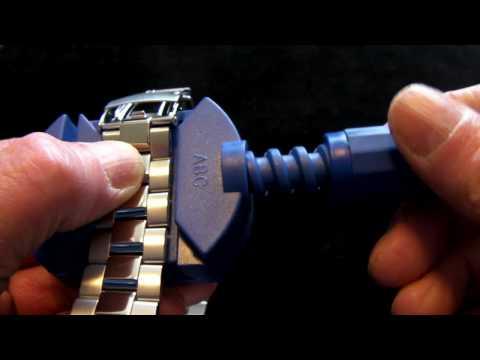 Adjusting Your Watch Bracelet