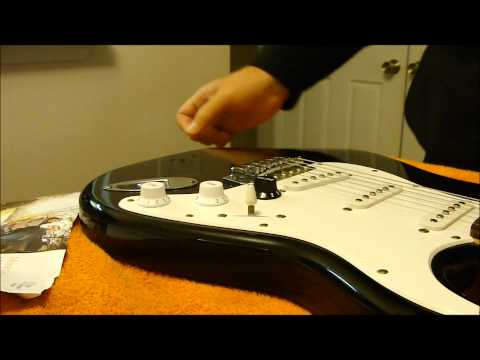 How to Change the Knobs on a Strat with a Piece of Junk Mail