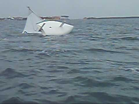 Intro to sailing: Capsize Recovery