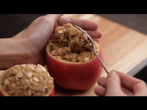 How to Make Baked Apple Crisp Cups