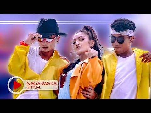 Xxx Mp4 Siti Badriah Lagi Syantik Official Music Video NAGASWARA Music 3gp Sex