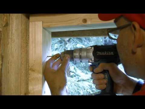 Palkmaja akna paigaldamine isepaisuva tihendiga
