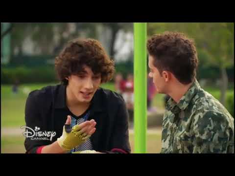 Soy Luna 3 | Matteo thinks Luna is no longer interested (ep.2) (Eng. subs)