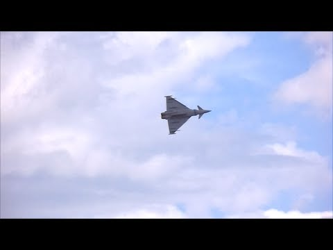 RAF Typhoon Eurofighter - Awesome Display - Cleethorpes Airshow 2013
