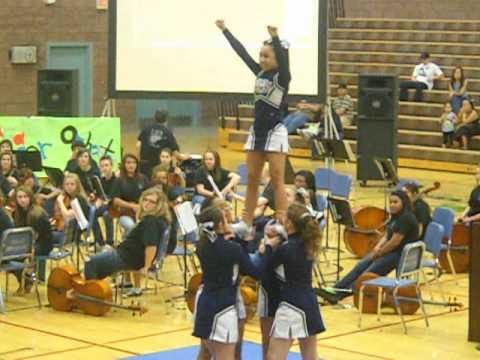 Middle School  Cheer (Me-Me's stunt group)