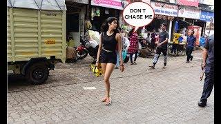 Fans Start Chasing Janhvi Kapoor As She Roams On Street Casually