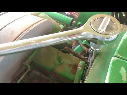 John Deere 2155 tractor - Removing temperature sender and flushing block