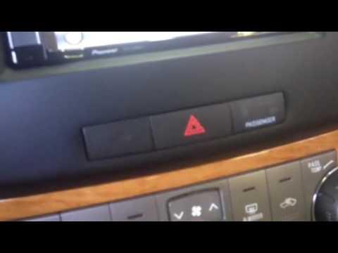 2008 Toyota Highlander hybrid radio navigation replacement