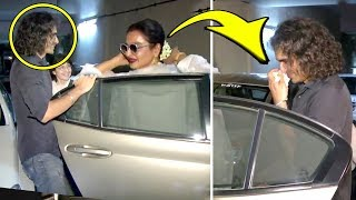 Rekha Removes Her Gajra And Gives It To Imtiaz Ali