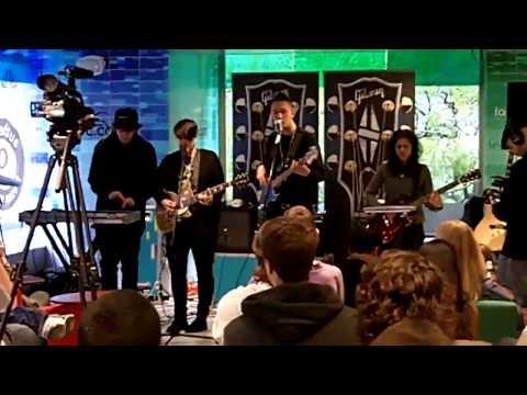 The xx - Crystalised (Live 10/23/2009)