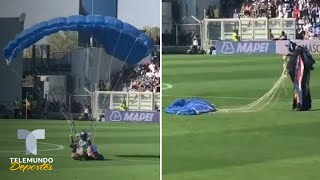 Aterriza en paracaídas con una GoPro en pleno partido del Inter   Telemundo Deportes