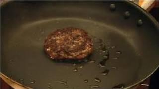 Hamburger Recipes : How to Make Juicy Hamburgers on the Stove Top