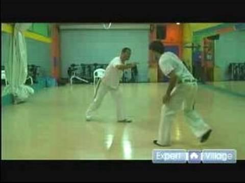 Capoeira Moves and Games : Learn the Capoeira Ginga