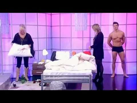 Kim Woodburn on Loose Women and cleaning up Carol's bed!  - 21st March 2011