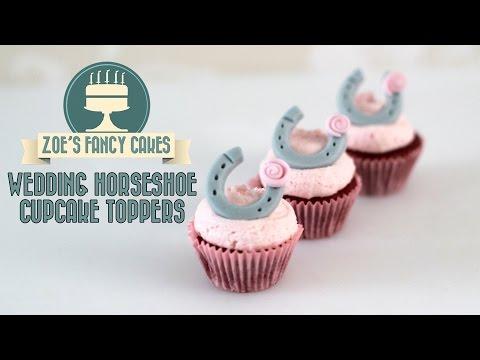 Wedding cupcakes: fondant horseshoe cake toppers