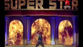 Akshay Kumar Super Rocking Performance 2011