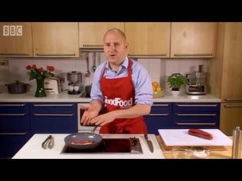 How to pan fry steak - BBC GoodFood.com - BBC Food