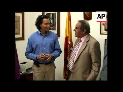 First Cuban to get Spanish passport under citizenship law