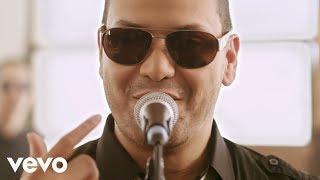 Víctor Manuelle - Si Tú Me Besas (Video Oficial)