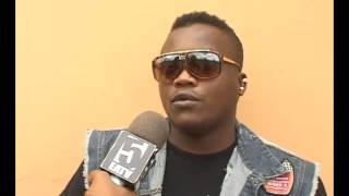 Dully Sykes na Diamond wakimuelezea Sharo Milionea (Darhotwire.com)