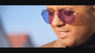 Download Blondu de la Timisoara - Acelasi om (Official Video 2018)