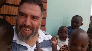 Uganda (Kampala) Yetimhane Ziyareti - Kara Afrika'nın, Ay Yüzlü Çocuklarına selam olsun ! -  Bölüm 1