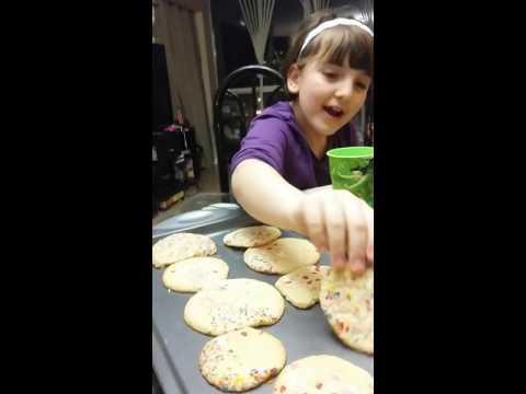 What tastes better? Sugar cookie test