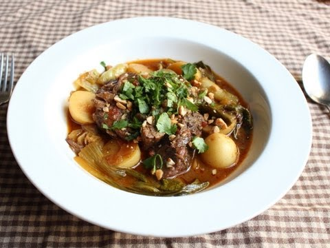 Slow Cooker Red Curry Beef Pot Roast - Spicy Braised Red Curry Beef Recipe