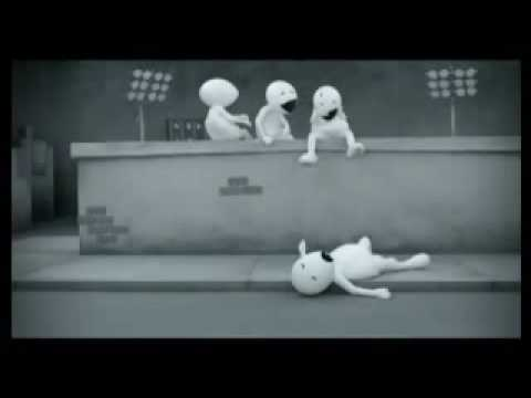 Vodafone ad for Cricket Alerts - Zoozoo head cracking & falling