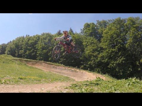 4cross Bikepark Hochberg Commencal Absolut SX