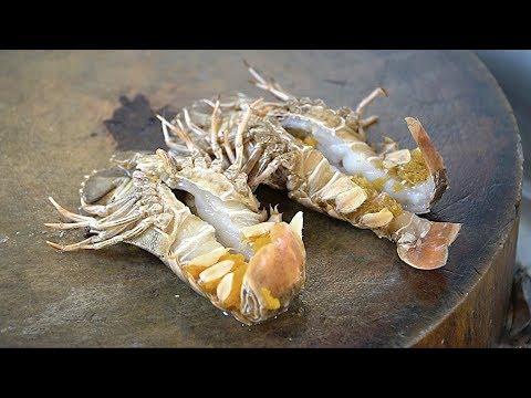 Alien Street Food - Slipper lobsters w/ Garlic and Sauce