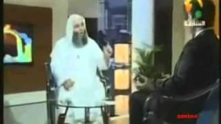 مقدم البرنامج يبكي مع محمد حسان.mp4
