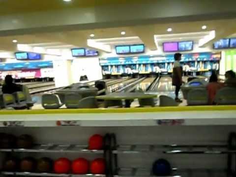 Shinagawa Prince Hotel Bowling alley