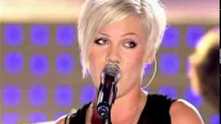 Download P!nk - Who Knew (Live Star Academy 2006)