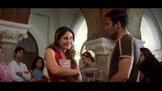 Akshaye Khanna slaps Kareena Kapoor (Hulchul)