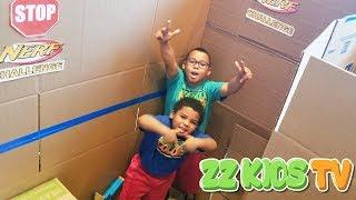 Download GIANT BOX FORT NERF MAZE CHALLENGE! ZZ KID VS GOO GOO GAGA