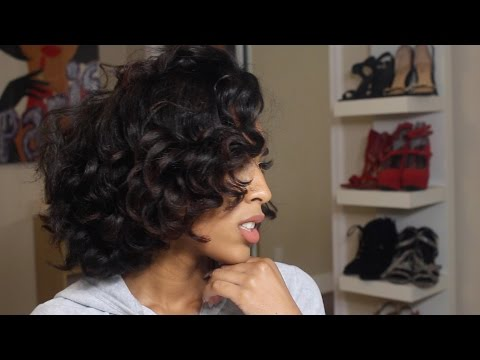 BOUNCY VOLUMINOUS CURLS | USING A CURLING IRON ON MY NATURAL HAIR