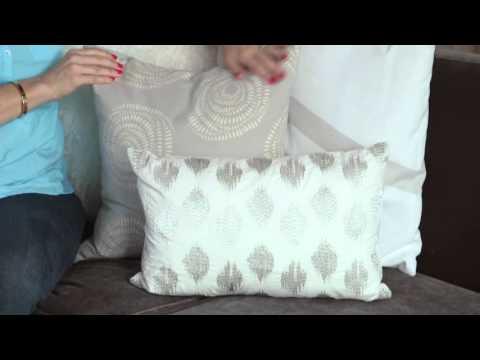 Lorri Dyner Bite-Sized Decorating Tip: Advice on Throw Pillows!