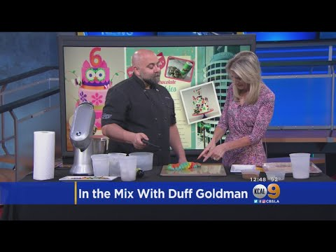 Celebrity Pastry Chef Duff Goldman Makes Tie Dye Chocolate Chip Cookies