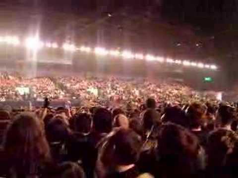 Tenacious D Mexican Wave NEC Arena