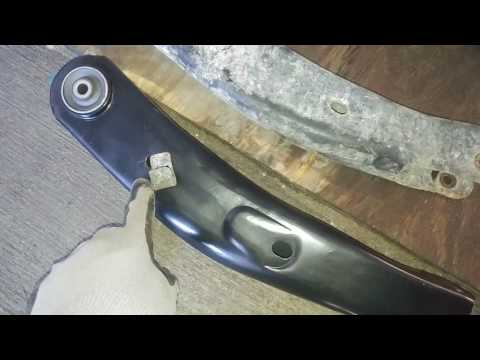 WJ Jeep front control arm replacement - Part 4 - upper left