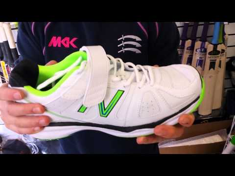 New Balance CK4040AR Cricket Shoes Review