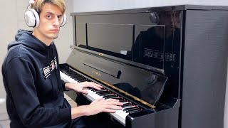 I play the PIANO for the first time EVER
