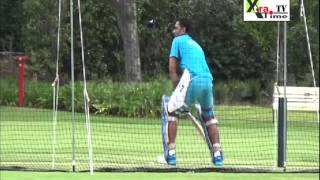 Dhoni signals he means business, India focus on own skills